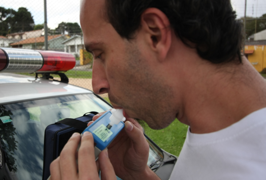 CNH suspensa: o que muda com a nova lei para quem for flagrado dirigindo embriagado